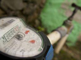 Manutenção em sistema adutor suspende abastecimento d'água