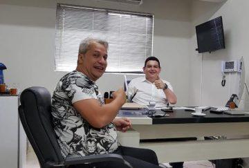 Sikêra Júnior é o mais novo contratado do Sistema Arapuan