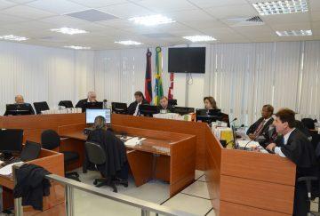 Tia é condenada a três anos por jogar água fervente em sobrinho, na Paraíba