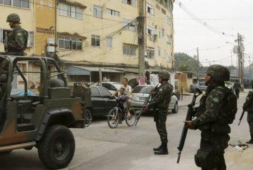 Militares fazem operação em favela do Rio de Janeiro
