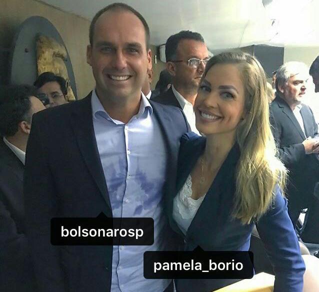 Pâmela em evento ontem com Bolsonaro antes da invasão à Granja