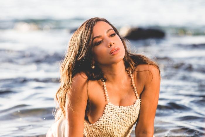 Anitta - Rapha Simons/ferrorama.tv