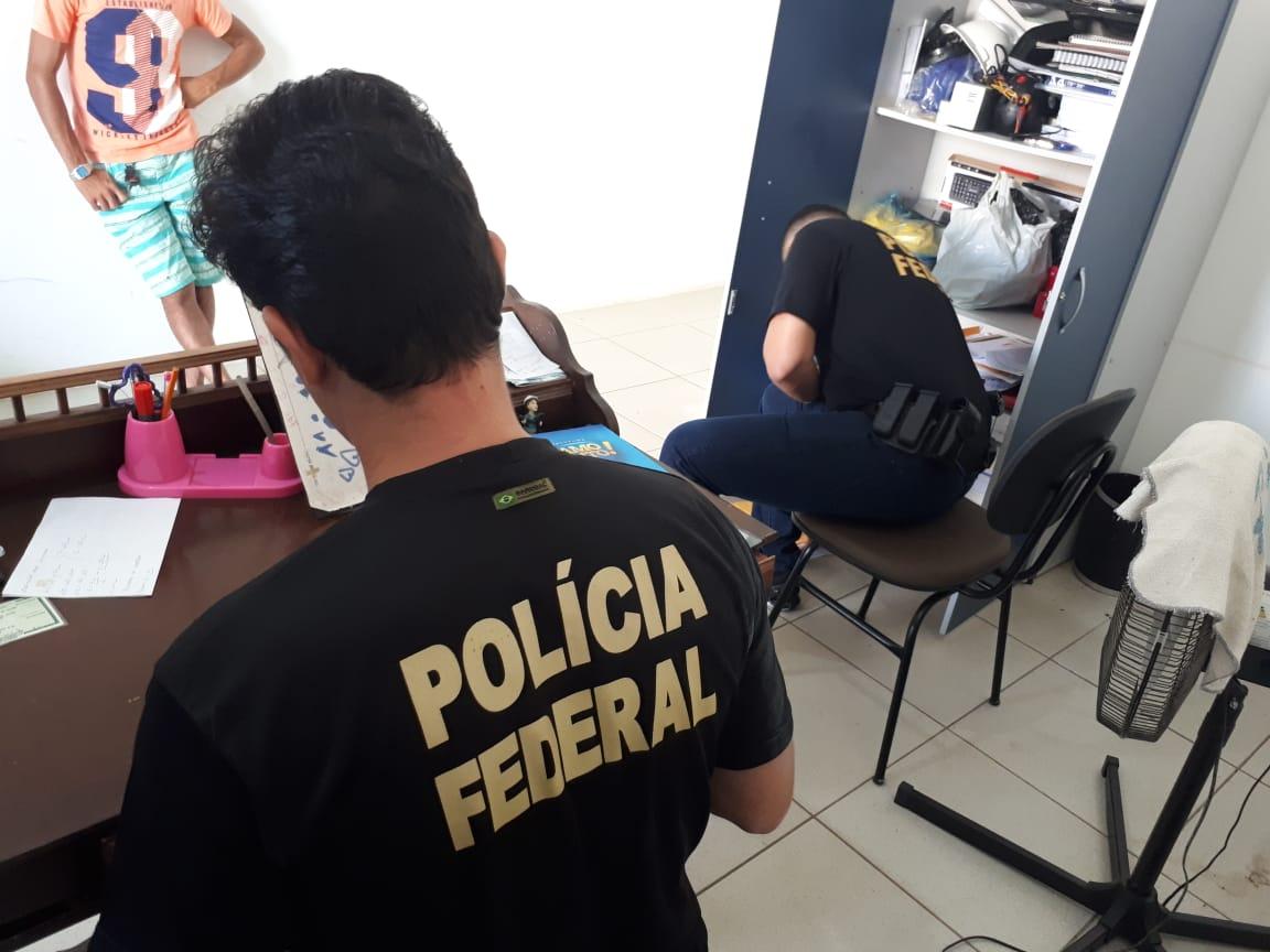 Agentes federais em ação durante a Operação Recidiva (Arquivo)