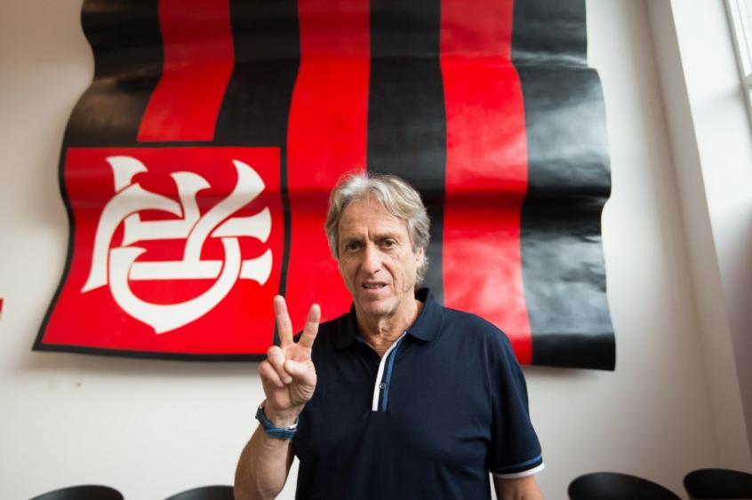 Jorge Jesus desembarcou no Rio de Janeiro nesta segunda-feira (Alexandre Vidal / Flamengo)