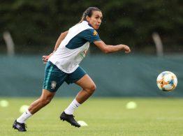 Marta volta a treinar com as demais jogadoras -Divulgação CBF